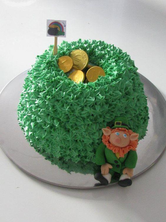 irish rainbow cake with leprechaun (rainbow inside)