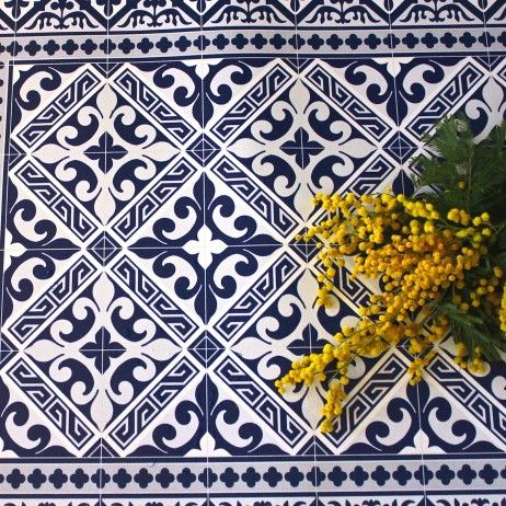 tapis beija flor carreaux de ciment en vinyl flor de lys l5 carreaux de ciment tapis beija. Black Bedroom Furniture Sets. Home Design Ideas