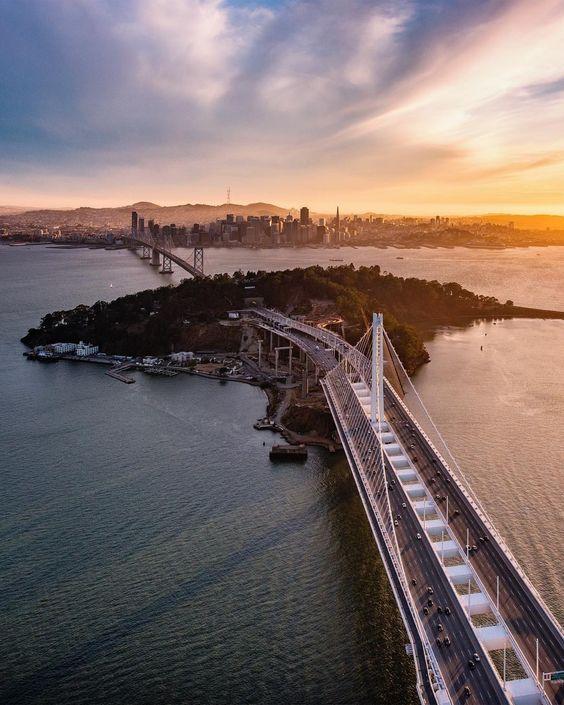 nothing like golden light at the end of the day in San Francisco #sanfrancisco #sf #bayarea #alwayssf #goldengatebridge #goldengate #alcatraz #california