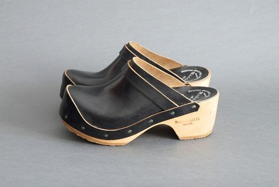 Vintage 70's clog ( i used to own a pair like these i got them in europe and in yellow!) lol i think i have them still somewhere!! lol