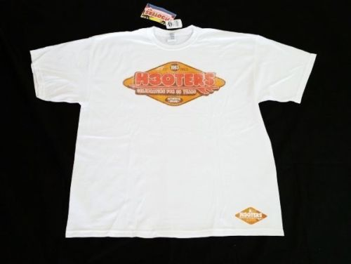 """Hooters Apparel Men's """"Celebrating For 30 Years"""" T-Shirt White (2XL)"""