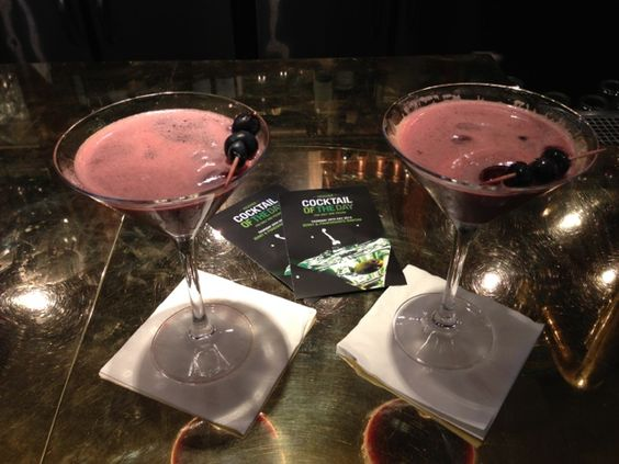 The Olive Dragonfly: Cocktails!
