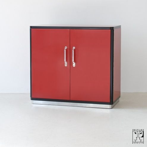 2 door bauhaus sideboard zeitlos berlin bauhaus. Black Bedroom Furniture Sets. Home Design Ideas