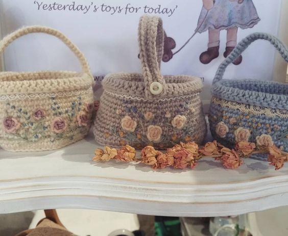 Easter baskets for the filling..   #crochet #amigurumi #vintagehaberdashery #handmade #handcrafted #embroidered #woolembroidery #easterbaskets #wool by missmollysdolls