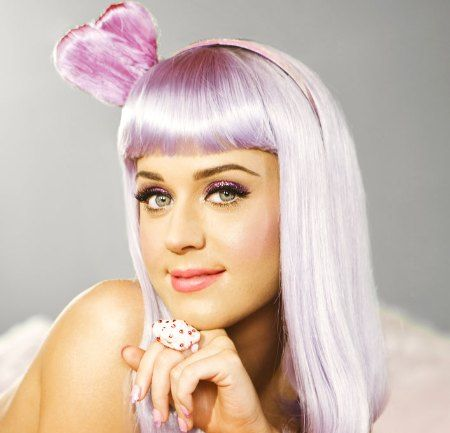 Katy Perry was born in Santa Bárbara, California.