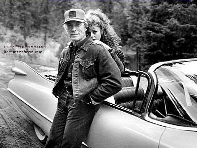 Clint Eastwood : Bernadette Peters (née Bernadette Lazzara, 28 Février, 1948) est une actrice américaine, chanteur et auteur de livres pour enfants. Description de imgarcade.com.