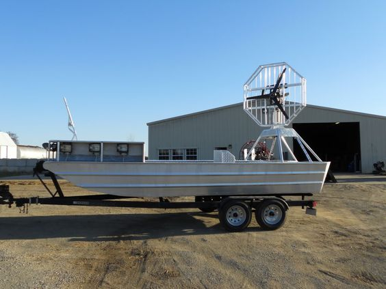 Bowfishing rednecks and boats on pinterest for Bow fishing boats