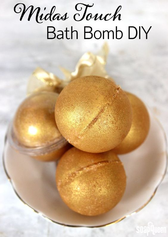 These DIY Midas Touch Bath Bombs are made with skin loving cocoa butter and smell just like a mimosa!