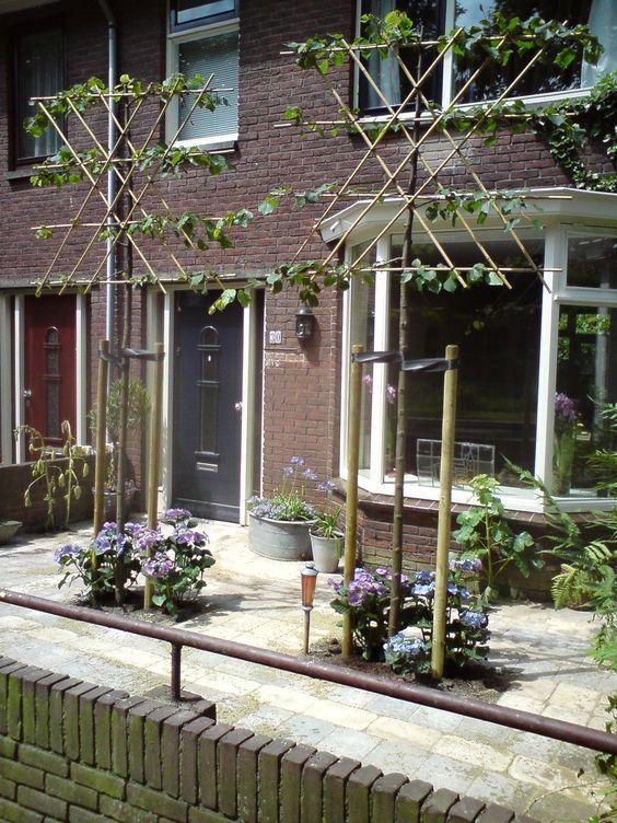 Kleine tuin ontwerpen kleine tuinen and tuinontwerp on for Kleine voortuin ideeen foto s