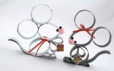 Ratón realizado con tubos de papel higienico