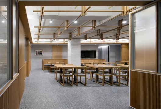 Gallery Of Chosunoak The Oak By Seog Be Seog Mmoa Studios 27 Oak Restaurant Interior Teak Wood