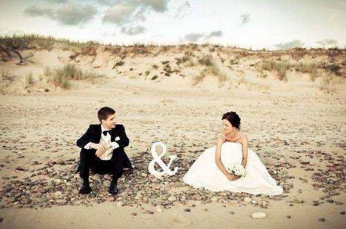 Cute wedding picture on the beach - Foto matrimonio in spiaggia