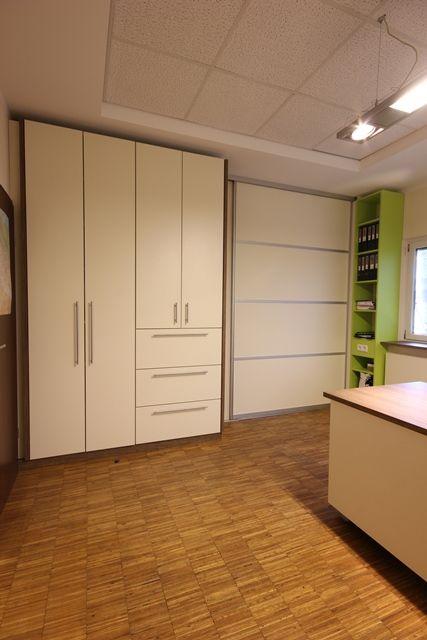 Doppelbüro mit Abtrennung geschlossen