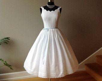 Short Wedding Dress Off Shoulder Cotton by FrenchKnotCouture Um amor esse vestido