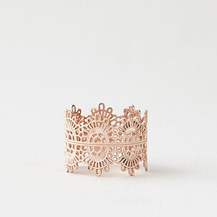 Rose Gold Lace Ring - the color is so gorgeous and I love the complex design #jewelry