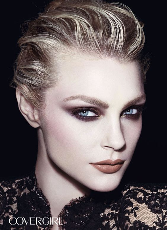 Runway model Jessica Stam is wearing COVERGIRL ...