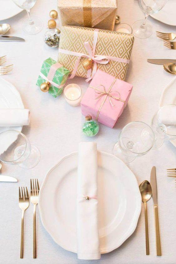 #decoration de table pour #noel a fabriquer ambiance épurée objets déco façon cadeaux