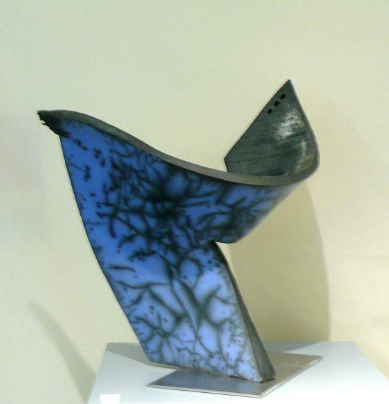"Claude Voisin (France) - Raku bleu ""Calligraphie"":"