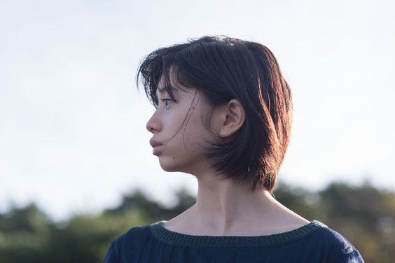 桜田ひよりの横顔