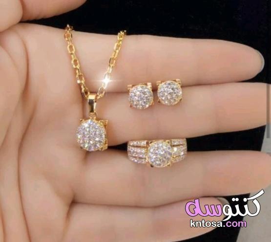 خناقي المرتعشة الناعم مع الحلق مطلي ذهب بجودة عالية السعر ١٥٠ درهم Love Bracelets Cartier Love Bracelet Cartier Love