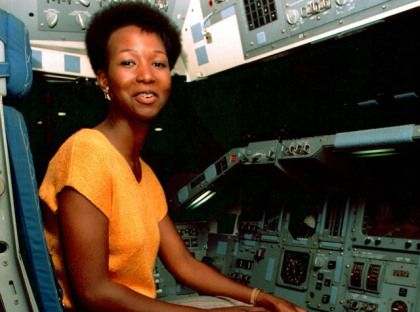 Mae Jemison Became 1st Black Woman To Fly In To Space On This Day In 1992