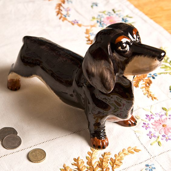 https://www.sassandbelle.co.uk/Dachshund Money Box