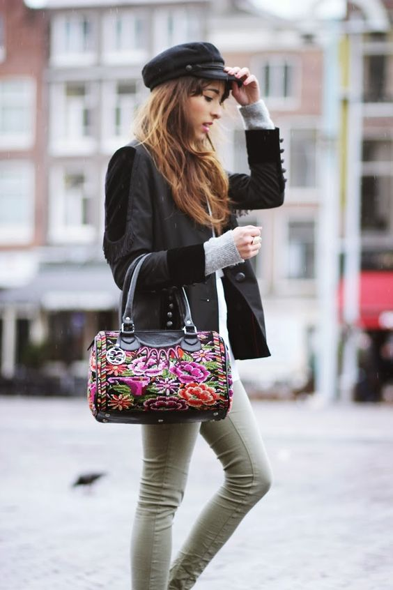 PreppyFashionist: A bag of art