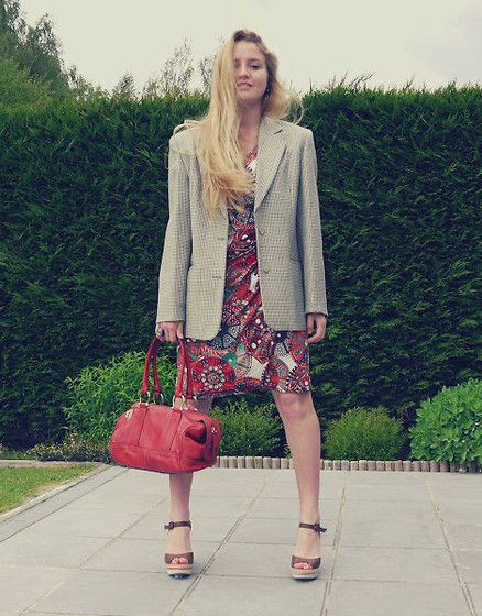 Egerie Dress, Sisley Coat, Lancel Bag, éxe Wedges