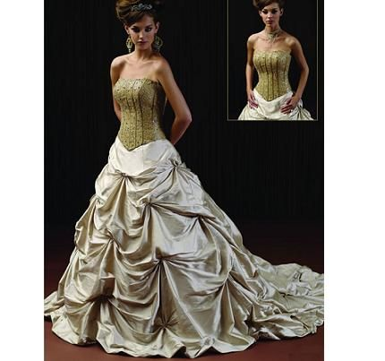 beautiful pictures of items in the color green   main color in the idea of spring wedding. Green wedding dress, green ...