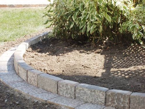 Five Ways To Use Leftover Pavers Garden Pavers Brick Landscape Edging Landscape Edging