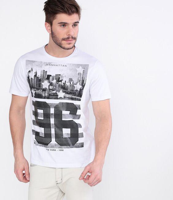 Camiseta masculina    Manga curta   Gola redonda   Estampada  Marca: Blue Steel   Tecido : meia malha   Composição: 100% algodão   Modelo veste tamanho: M    Veja outras opções de    camisetas masculinas.