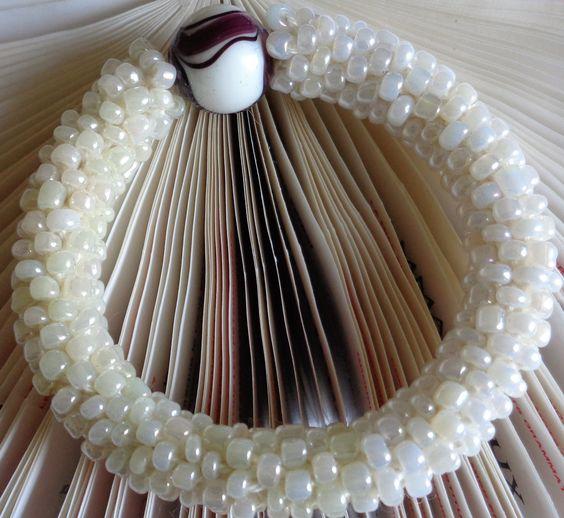 #beigebracelet #crochetbracelet #ladiesbracelet #crochetseedbeads #herringbonebracelet #womenbracelet #fashionbracelet #fashionjewelry #fashionaccessory #womenaccessory #lanesamarie #