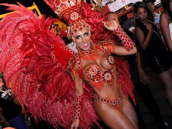 Tati Minerato,modelo e musa da Escola de Samba Gaviões da Fiel