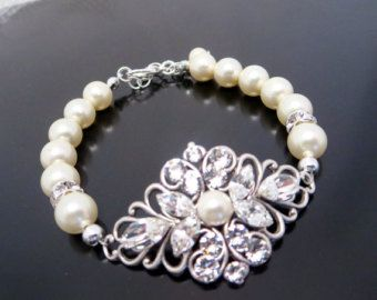 Pearl bracelet, Crystal bridal bracelet, Swarovski wedding jewelry, Filigree bracelet, Vintage style bracelet, Crystal bracelet, Bridesmaid