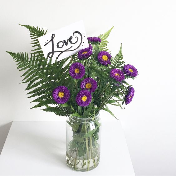 "Do it yourself ""Love"" Flower Topper"