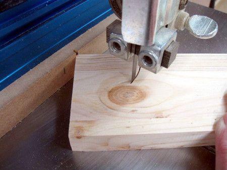https://atelierdubricoleur.wordpress.com/2012/04/30/radius-cut-band-saw-technique-technique-de-coupe-de-rayon-a-la-scie-a-ruban/