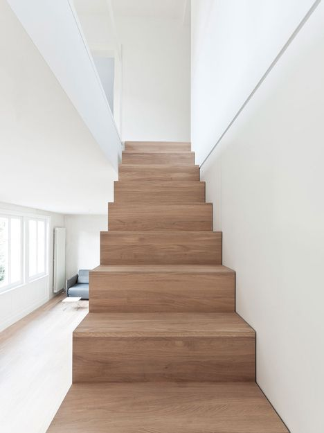 Trapbekleding met hout wooden staircase houten trap wooden steps bloktrap - Houten trap ...