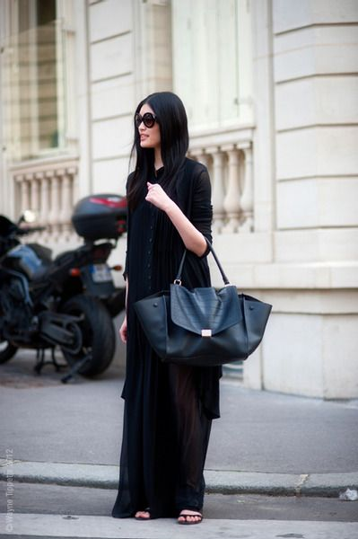 I want to wear that.  and carry that bag.  from: Model Love