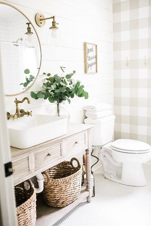 99 Lovely Farmhouse Bathroom Makeover Ideas To Try Right Now In 2020 Bathroom Inspiration Modern Farmhouse Bathroom Cottage Bathroom