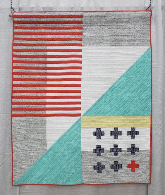 Emergent by Kari Vojtechovsky.  QuiltCon 2015.  Photo by Fresh Lemons Quilts.
