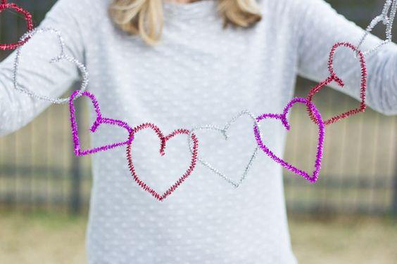 Design Improvised: Pipe Cleaner Heart Garland
