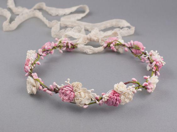 Hochzeit - Blumenkrone / Blumenkranz / Haarblüten/ Elfenkrone - ein Designerstück von LolaWhite bei DaWanda
