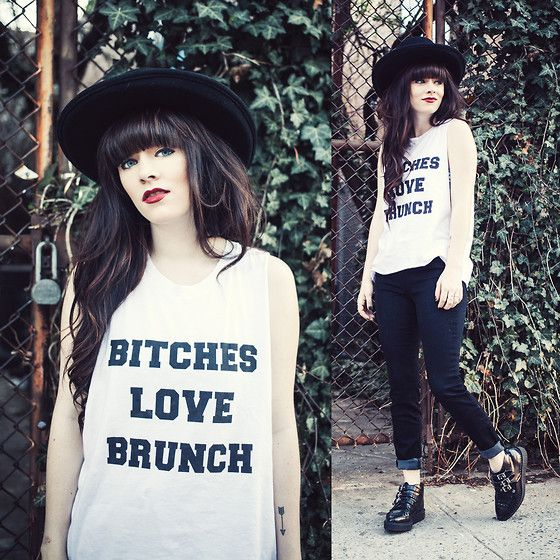 Rachel-Marie Iwanyszyn - Pylo Brunch Tee, Pylo Jeans, Pylo Jeans, Tuk Platform Creepers - IT'S TRUE, THEY LOVE IT.