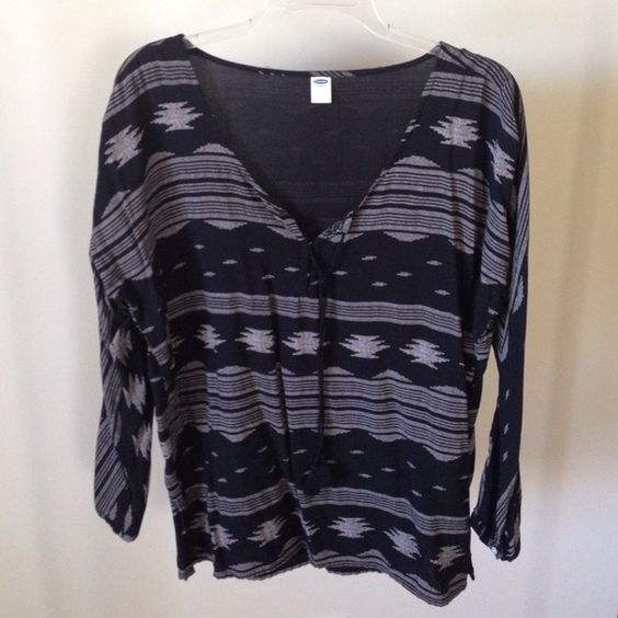 Old Navy Aztec top Black and Tan old navy dolman sleeve Aztec print top with tassels. Top is flowy and could fit medium as well Old Navy Tops