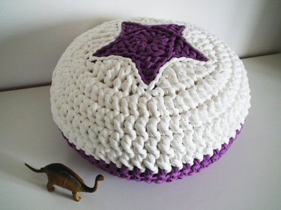 Puff trapillo con estrella crochet pinterest - Puff de ganchillo ...