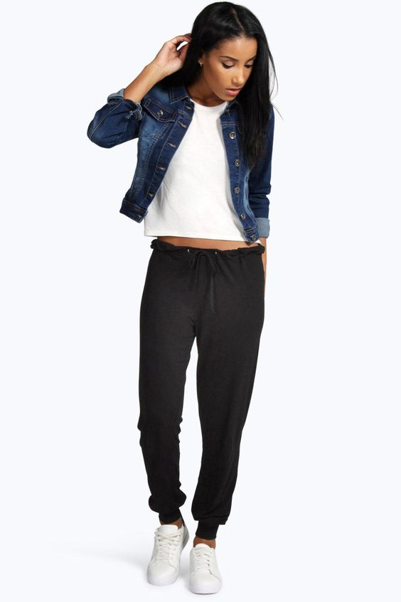 The Key To Chic: Five Tips For How To Wear Jogger Pants