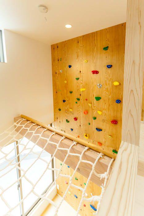 ボルダリング壁とアスレチックネット オリジナルデザインの 子供部屋