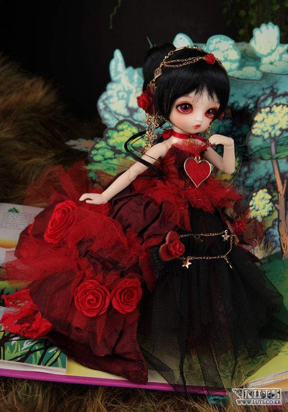 Luts Tiny Delf Gretel Queen of Hearts