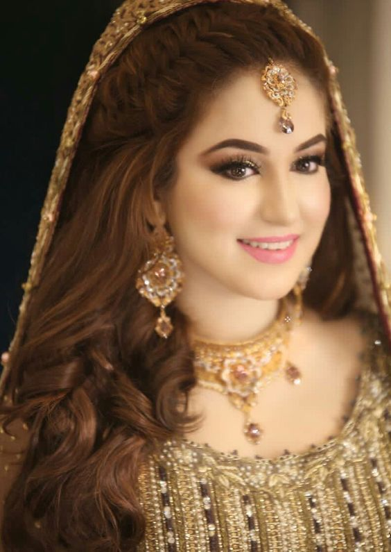 Shaadiwish Bride Curls Bridalhairstyle Pakistanibridalhairstyle Hairstyl Pakistani Bridal Hairstyles Pakistani Bridal Makeup Pakistani Wedding Hairstyles