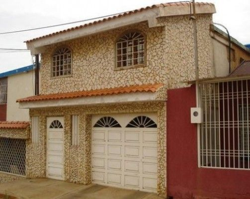 Modelos de casas sencillas y bonitas dise o de for Fachadas de casas modernas de dos pisos sencillas